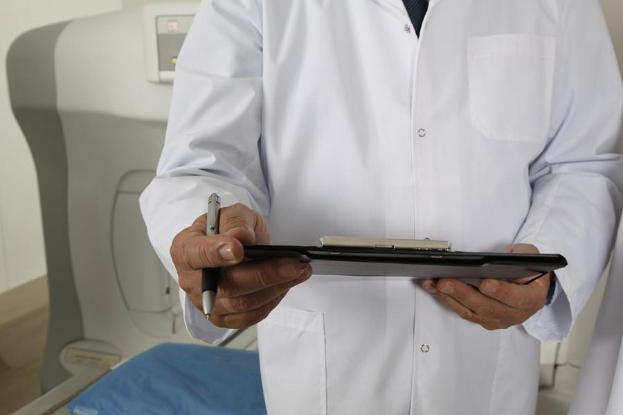 doctor-clipboard